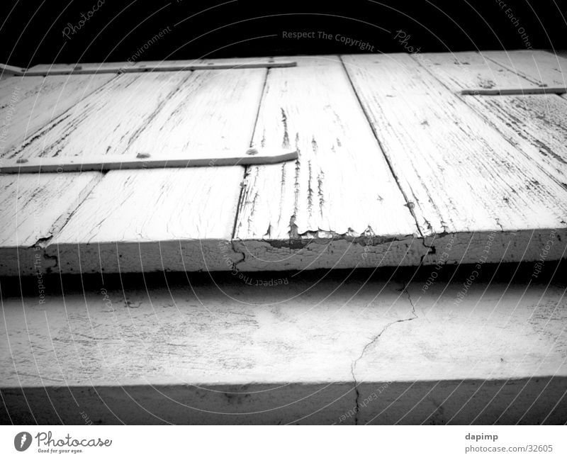 Fensterln Klappe Ausgang Scheune Architektur B/W alt