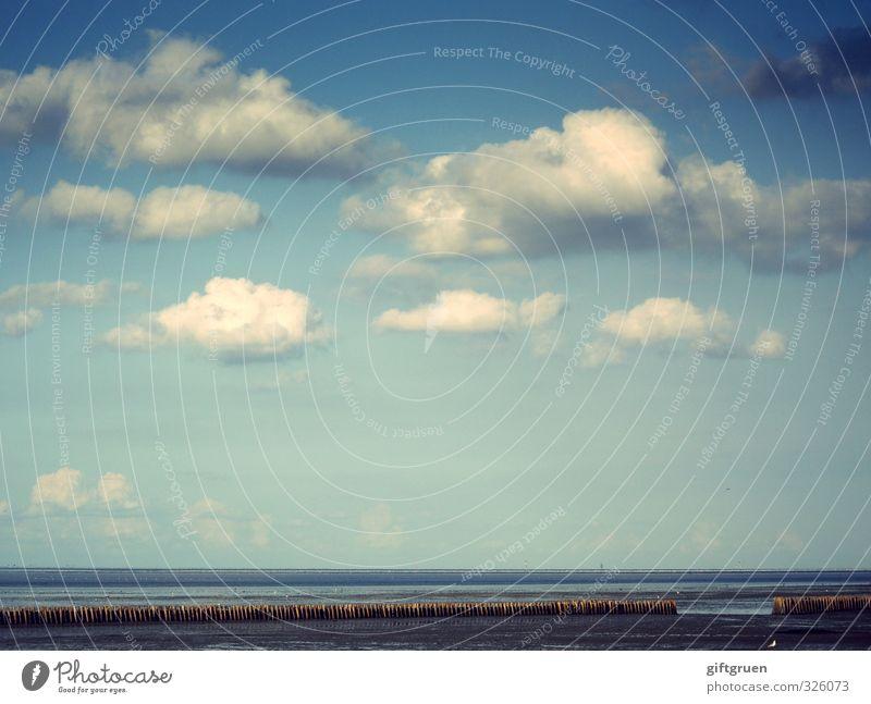 heiter bis wolkig Umwelt Natur Landschaft Urelemente Sand Wasser Himmel Wolken Schönes Wetter Küste Strand Ostsee Meer blau Buhne Uferbefestigung Ferne Horizont