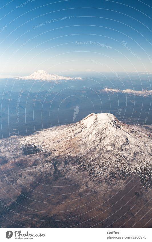 GIPFELTREFFEN Landschaft Winter Berge u. Gebirge Umwelt kalt Schönes Wetter USA hoch Gipfel Skifahren Vulkan Wintersport Hochgebirge erhaben Washington State