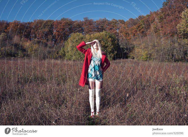 #326096 Freiheit Frau Erwachsene Leben 1 Mensch Natur Landschaft Himmel Wiese Feld Wald Mode Kleid Strümpfe blond entdecken stehen außergewöhnlich dunkel