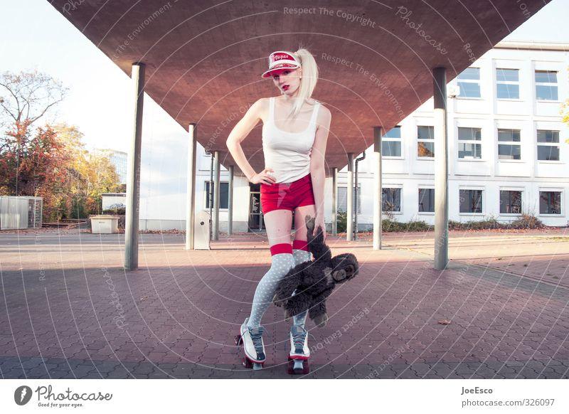 #326097 Lifestyle Stil Freizeit & Hobby Sport Schule Studium Frau Erwachsene Mode Coolness frisch trendy schön einzigartig rebellisch verrückt wild selbstbewußt