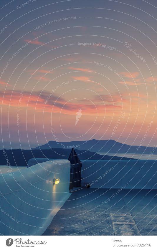… bis die Wolken wieder lila sind Himmel Ferien & Urlaub & Reisen blau Sommer Meer ruhig Landschaft Wolken Wärme Wand Mauer Wege & Pfade Küste Freiheit Horizont Luft