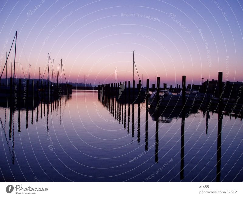 Silence II Wasser violett Hafen