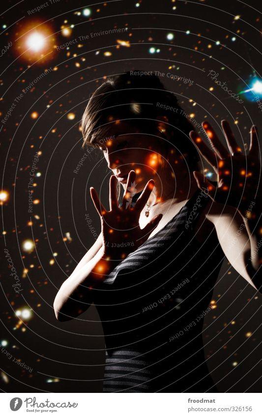 miss universe Mensch feminin Junge Frau Jugendliche Erwachsene 1 Kunst träumen bedrohlich Coolness fantastisch Unendlichkeit Angst Zukunftsangst Verzweiflung