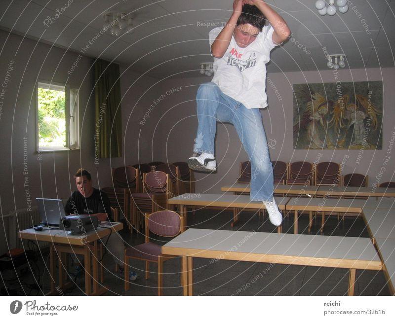 sprung Mann springen Luft