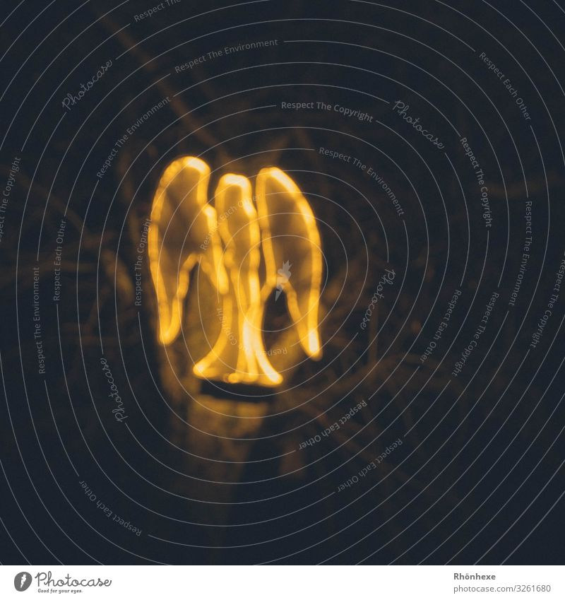 leuchtender Engel... Skulptur gold schwarz Frieden Lichterscheinung Silhouette Weihnachten & Advent Feste & Feiern Menschenleer Stimmung Lichtmalerei Romantik
