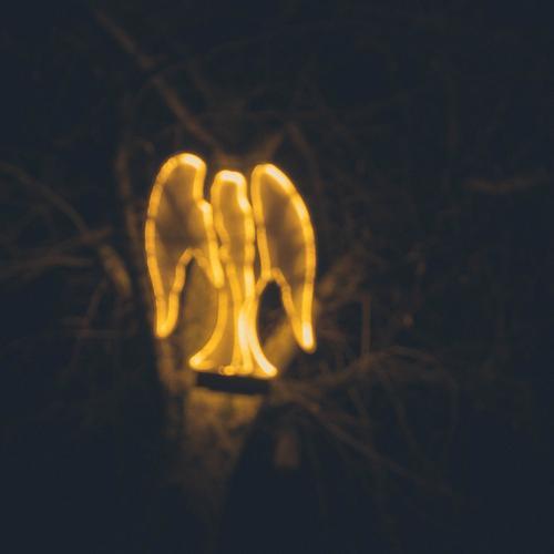 leuchtender Engel... Weihnachten & Advent Freude schwarz Gefühle Feste & Feiern Stimmung gold glänzend Romantik Frieden Skulptur festlich Erscheinung