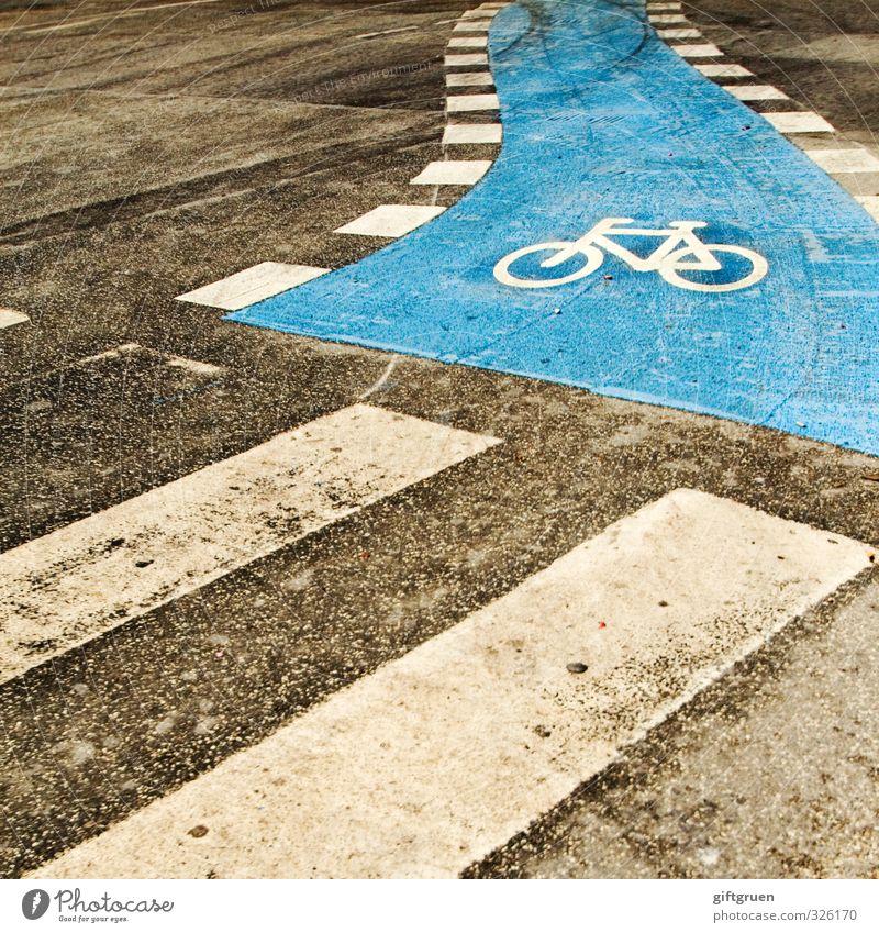 walker meets biker blau Straße Bewegung Wege & Pfade gehen Verkehr Fahrrad Schilder & Markierungen warten Sicherheit Fahrradfahren Symbole & Metaphern Spuren