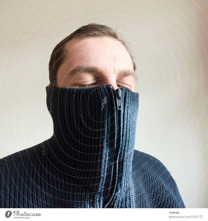 Frieren Mensch maskulin Erwachsene Kopf 1 18-30 Jahre Jugendliche 30-45 Jahre Pullover Reißverschluss frieren genießen kalt Krankheit Geborgenheit