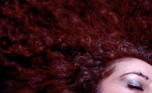 red hair feminin Frau Erwachsene Haare & Frisuren 30-45 Jahre rothaarig langhaarig Locken ästhetisch außergewöhnlich Erotik exotisch schön Wärme Kunst Stil