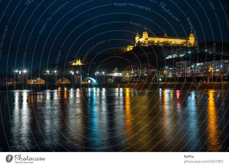 Würzburg bei Nacht. Lifestyle Stil Design Freizeit & Hobby Ferien & Urlaub & Reisen Tourismus Sightseeing Städtereise Nachtleben Entertainment Wirtschaft Kunst
