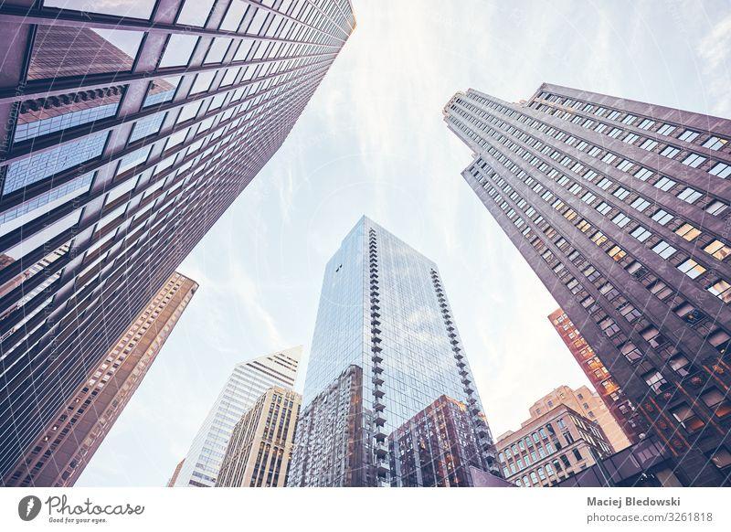 Blick auf die Wolkenkratzer von Chicago, USA. kaufen Reichtum elegant Städtereise Büro Himmel Kleinstadt Stadt Stadtzentrum Hochhaus Bankgebäude Gebäude