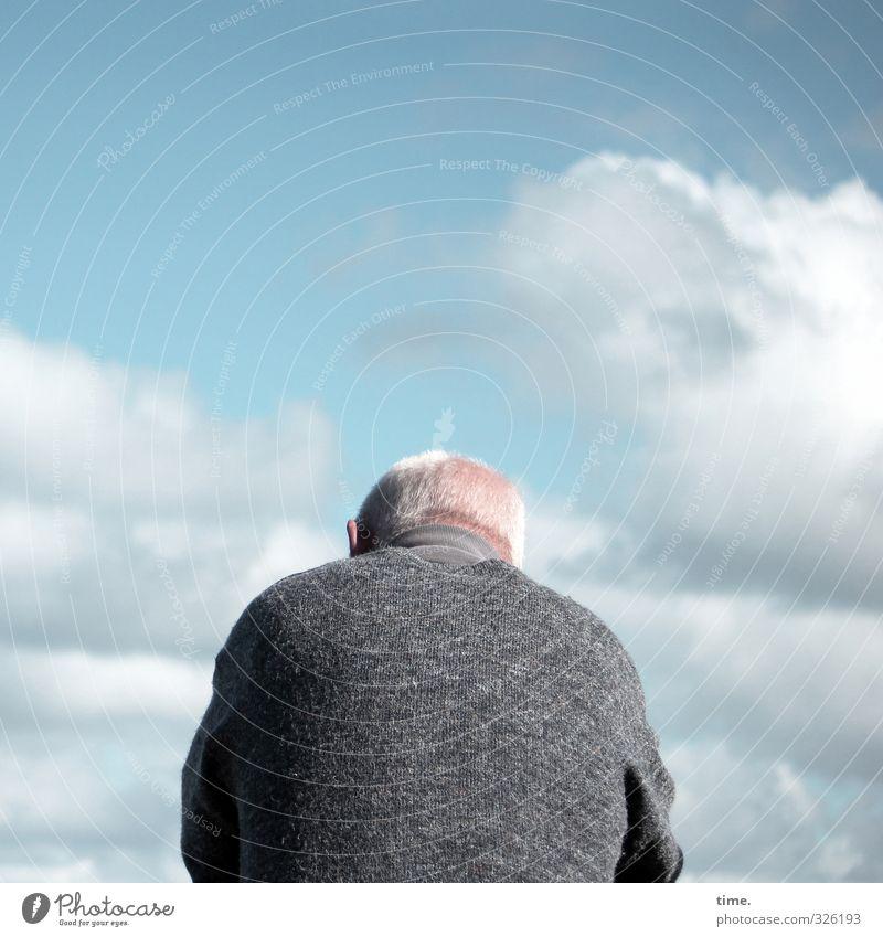 . Mensch Himmel Mann Erholung ruhig Wolken Erwachsene Leben Senior Haare & Frisuren maskulin Körper 60 und älter authentisch Bekleidung Schönes Wetter