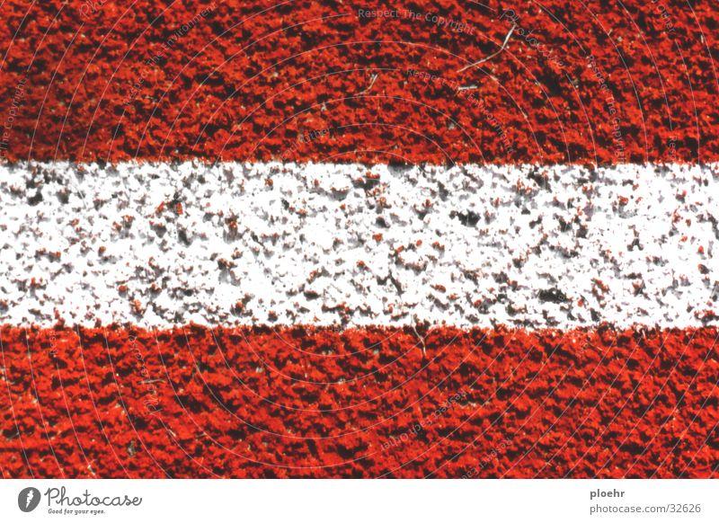 SportStreifen weiß rot Eisenbahn Platz Österreich gestreift