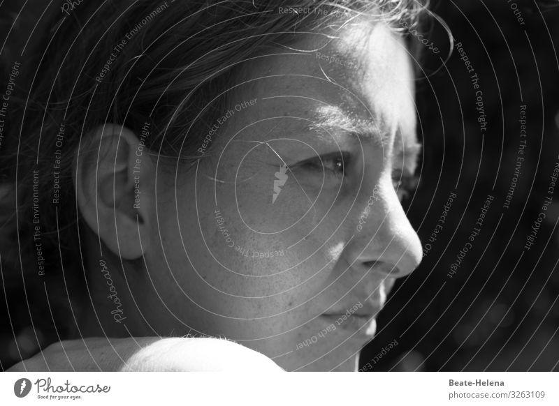 verloren  die gute Laune Jugendliche Junge Frau schön sprechen Denken nachdenklich ästhetisch lernen warten beobachten entdecken planen Meditation Wachsamkeit