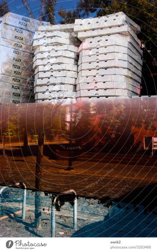 Alte Schachteln Wolkenloser Himmel Baum Falkenberg Brandenburg Straße Schaufenster Karton Behälter u. Gefäße Pizza Stapel Glas Zusammensein glänzend hoch Stadt
