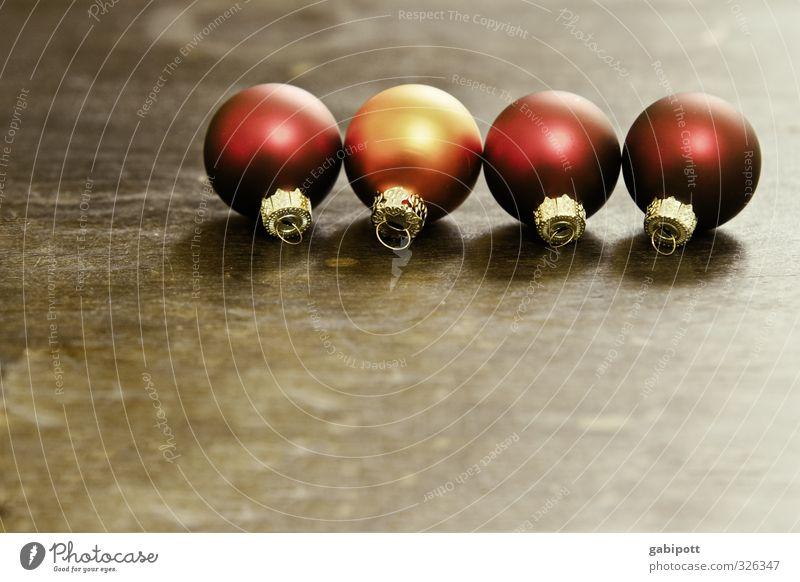 einsatzbereit Weihnachten & Advent rot Zeit orange gold Zufriedenheit Häusliches Leben rund Kultur Wunsch Kugel harmonisch Feiertag Christbaumkugel Symmetrie