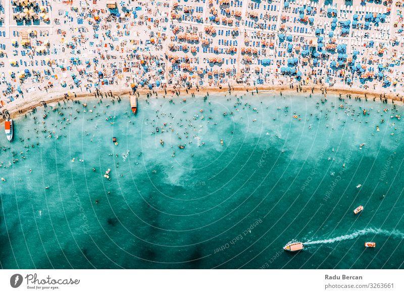Menschenmenge am Strand, Luftaufnahme im Sommer Schwimmen & Baden Ferien & Urlaub & Reisen Tourismus Abenteuer Freiheit Sommerurlaub Sonne Sonnenbad Meer Wellen