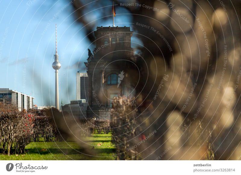 Fernsehturm mit Textfreiraum Architektur Berlin Deutschland Hauptstadt Berliner Fernsehturm Parlament Alexanderplatz Deutscher Bundestag Regierung