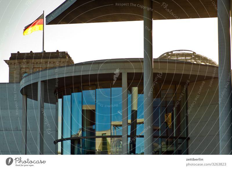 Regierungsviertel Architektur Berlin Deutschland Deutsche Flagge Hauptstadt Parlament Deutscher Bundestag Regierungssitz Spree Regierungspalast Spreebogen