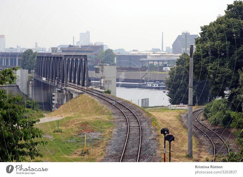 hafenblick Verkehr Brücke Industrie Güterverkehr & Logistik Hafen Schifffahrt Gleise Produktion Gewerbe Schienenverkehr Containerschiff Infrastruktur