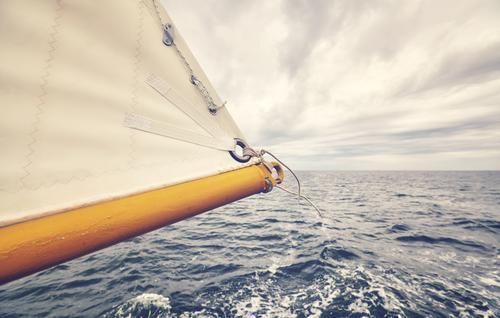 Nahaufnahme der alten Schonersegelspitze. Ferien & Urlaub & Reisen Abenteuer Ferne Freiheit Meer Himmel Wolken Horizont Wetter schlechtes Wetter Unwetter Wind