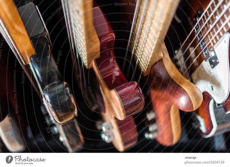 Gitarrensammlung Musik Musiker Instrument elektrisch musizieren Musikinstrument Egitarre E-Gitarre Sammlung Perspektive Rockmusik Bassgitarre