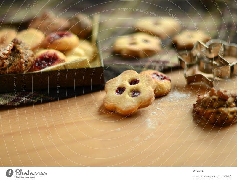 Plätzchen Feste & Feiern Lebensmittel Ernährung Kochen & Garen & Backen süß lecker Süßwaren Backwaren Teigwaren Schachtel Keks Plätzchen Weihnachtsgebäck Marmelade Kaffeetrinken Ausstechform