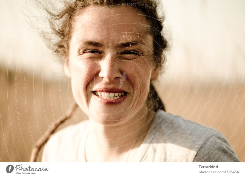 sonne.ist.gut Mensch Jugendliche schön Freude Junge Frau Erwachsene gelb Auge feminin Gefühle lachen Haare & Frisuren grau Glück Kopf braun