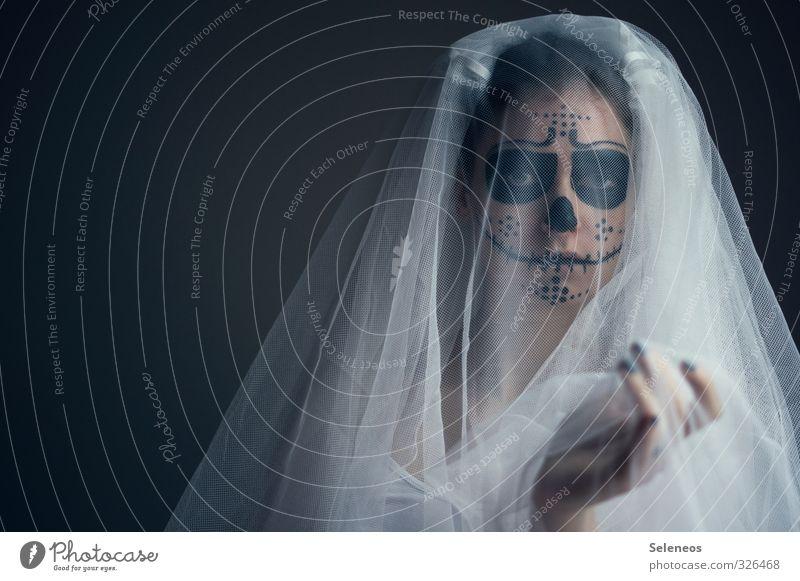 walking dead Karneval Halloween Mensch feminin Frau Erwachsene Kopf Gesicht Auge Nase Mund Hand Finger 1 Accessoire gruselig Schleier Tod Schädel bemalt