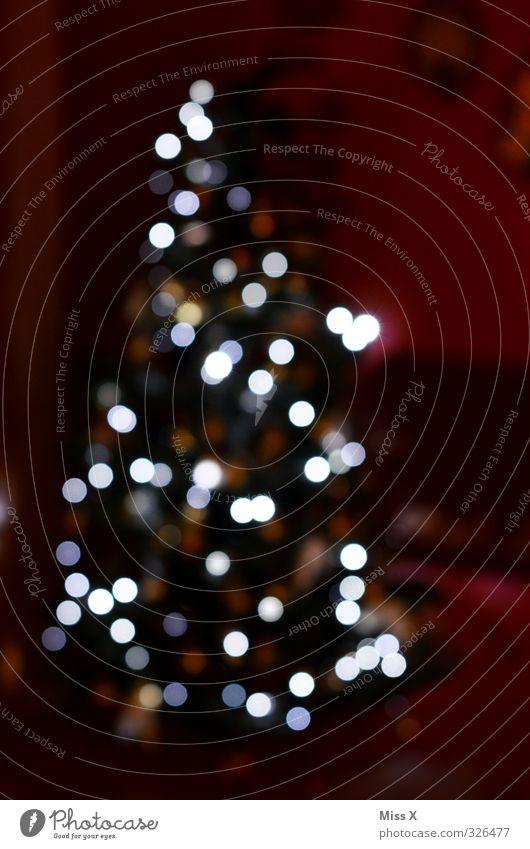 Weihnachtsunschärfe Feste & Feiern Weihnachten & Advent leuchten hell Weihnachtsbaum Weihnachtsdekoration Lichterkette Tanne Farbfoto Muster Menschenleer