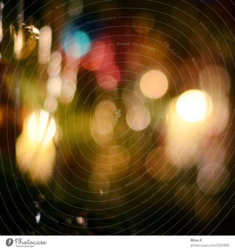 Weihnachtsunschärfe Weihnachten & Advent leuchten glänzend Weihnachtsbaum Weihnachtsbeleuchtung Baumschmuck Kerze Kerzenschein Punkt Farbfoto mehrfarbig Muster