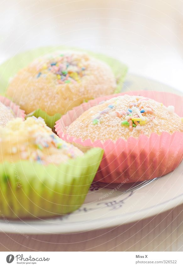 Muffins klein Feste & Feiern Lebensmittel Geburtstag Ernährung süß Süßwaren lecker Frühstück Kuchen Teller Backwaren Teigwaren Dessert Valentinstag