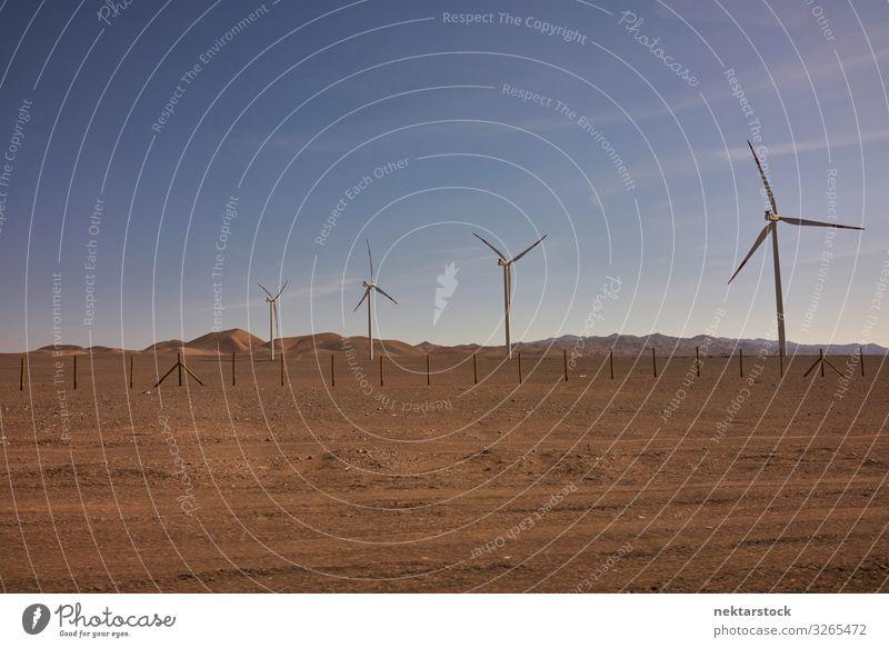 Windturbinen in der Atacama-Wüste, Chile Berge u. Gebirge Technik & Technologie Erneuerbare Energie Windkraftanlage Natur Landschaft Sand Himmel Horizont Hügel