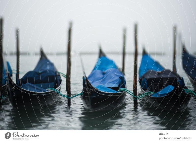 Foto für Herrn K. Ferien & Urlaub & Reisen Stadt Wasser Meer kalt Schwimmen & Baden Wetter Nebel Tourismus Europa Insel nass Italien Hafen Schifffahrt
