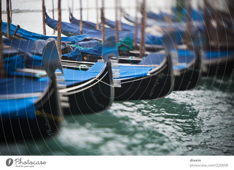 Winterpause Ferien & Urlaub & Reisen Tourismus Städtereise Meer Wasser Lagune Laguneninseln Venedig Italien Europa Schifffahrt Bootsfahrt Ruderboot Hafen