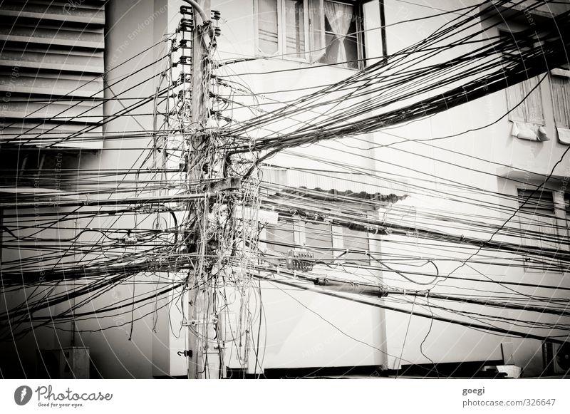 wired Kabel Telekommunikation Informationstechnologie Internet Fortschritt Kommunizieren komplex Netzwerk Schwarzweißfoto Außenaufnahme Menschenleer