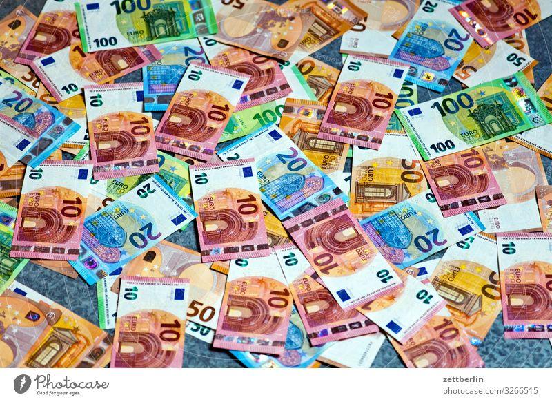 Weihnachtsgeld Geldinstitut Bargeld bestechung bezahlen Einkommen Einnahme Euro Eurozeichen Kapitalwirtschaft Geldscheine korruption papiergeld Schwarzgeld
