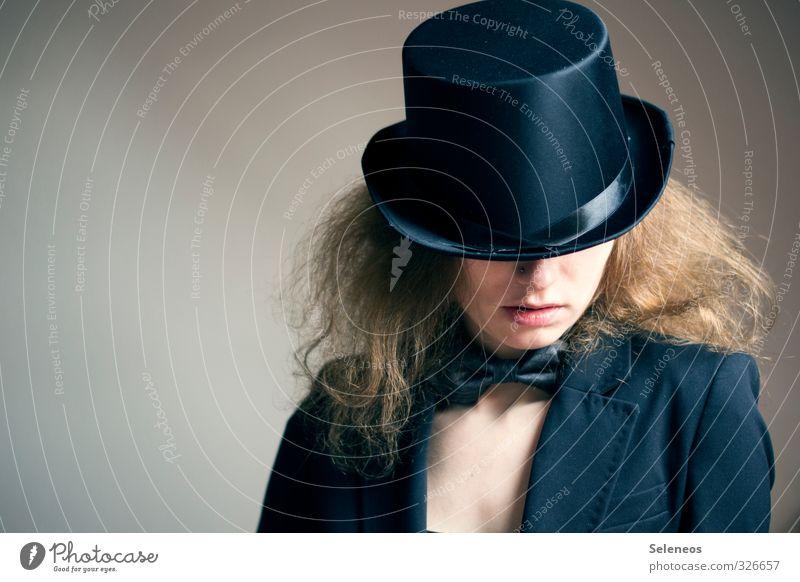 Hut tut gut Körper Haare & Frisuren Haut Gesicht Mensch feminin Frau Erwachsene Nase Mund Lippen 1 18-30 Jahre Jugendliche Mode Bekleidung Fliege Zylinder