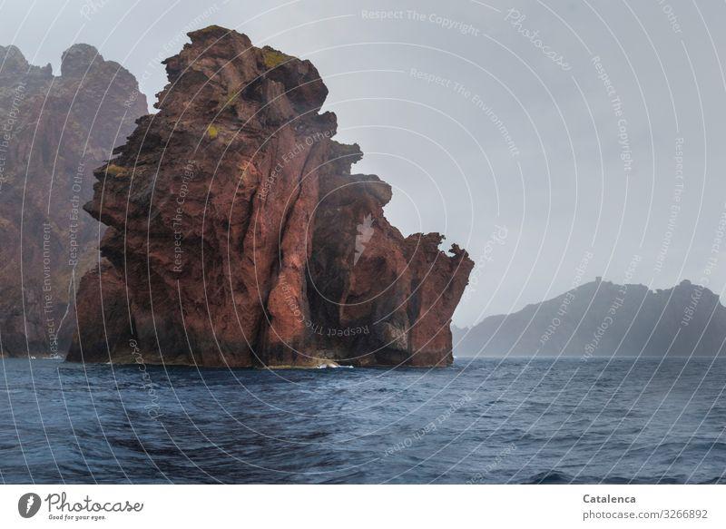 Wasserspeier Umwelt Landschaft Himmel Wolken Sommer schlechtes Wetter Regen Felsen Wellen Küste Meer Klippe authentisch außergewöhnlich einzigartig maritim nass