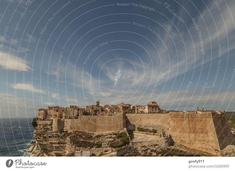 Bonifacio Korsika Ferien & Urlaub & Reisen Tourismus Ausflug Ferne Freiheit Sightseeing Städtereise Meer Insel Himmel Wolken Horizont Schönes Wetter Felsen