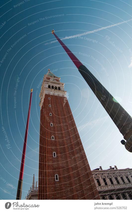 stabhochsprung Venedig Italien Hafenstadt Stadtzentrum Altstadt Turm Bauwerk Gebäude Architektur Campanile San Marco Sehenswürdigkeit Markusplatz Bekanntheit