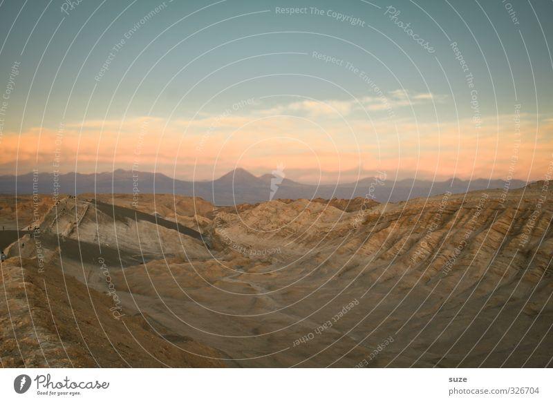 Im Tal des Mondes Sommer Berge u. Gebirge Umwelt Natur Landschaft Urelemente Erde Sand Luft Himmel Horizont Klima Wetter Schönes Wetter Wärme Felsen Schlucht
