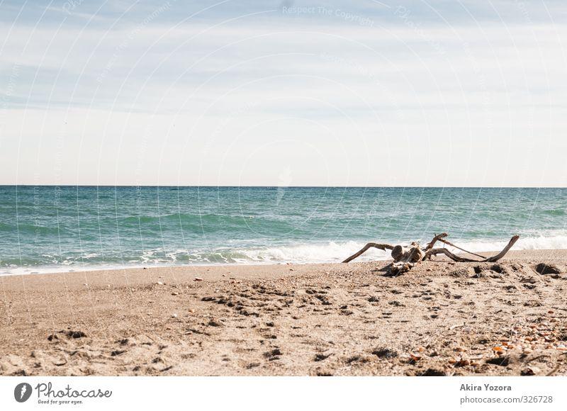 Meet the Ocean II Himmel Natur Ferien & Urlaub & Reisen blau weiß Wasser Sommer Meer Erholung ruhig Wolken Strand Ferne gelb Reisefotografie Küste
