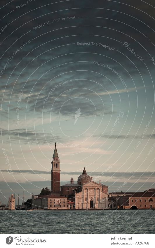 Venedig | Abendandacht schön Wasser Meer Umwelt dunkel Architektur Küste Gebäude Religion & Glaube Horizont Fassade Idylle ästhetisch Kirche