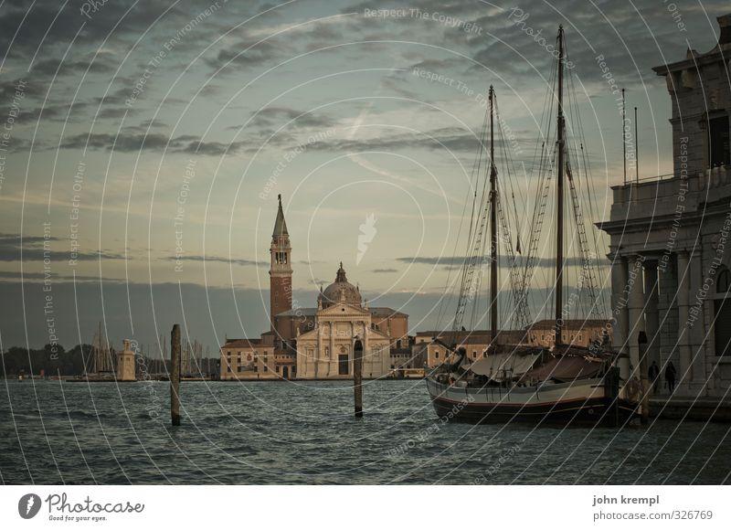 Guten Abend, gut Nacht schön Wasser Meer Architektur Gebäude Idylle Insel ästhetisch Kirche Vergänglichkeit retro Lebensfreude Romantik Kultur Italien Bauwerk