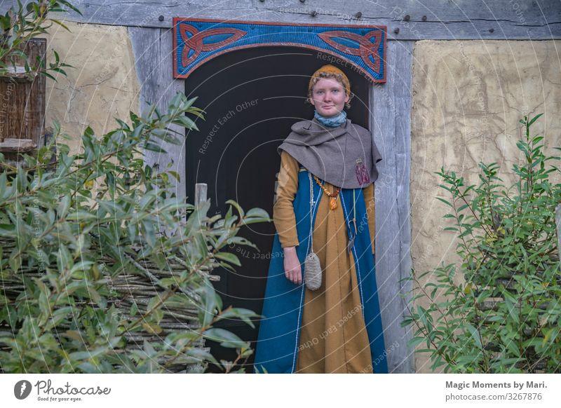 Das dänische Wikingermädchen feminin Junge Frau Jugendliche 1 Mensch 13-18 Jahre Ausstellung Dorf Glück Dänisch Mädchen bork Erbe Farbfoto