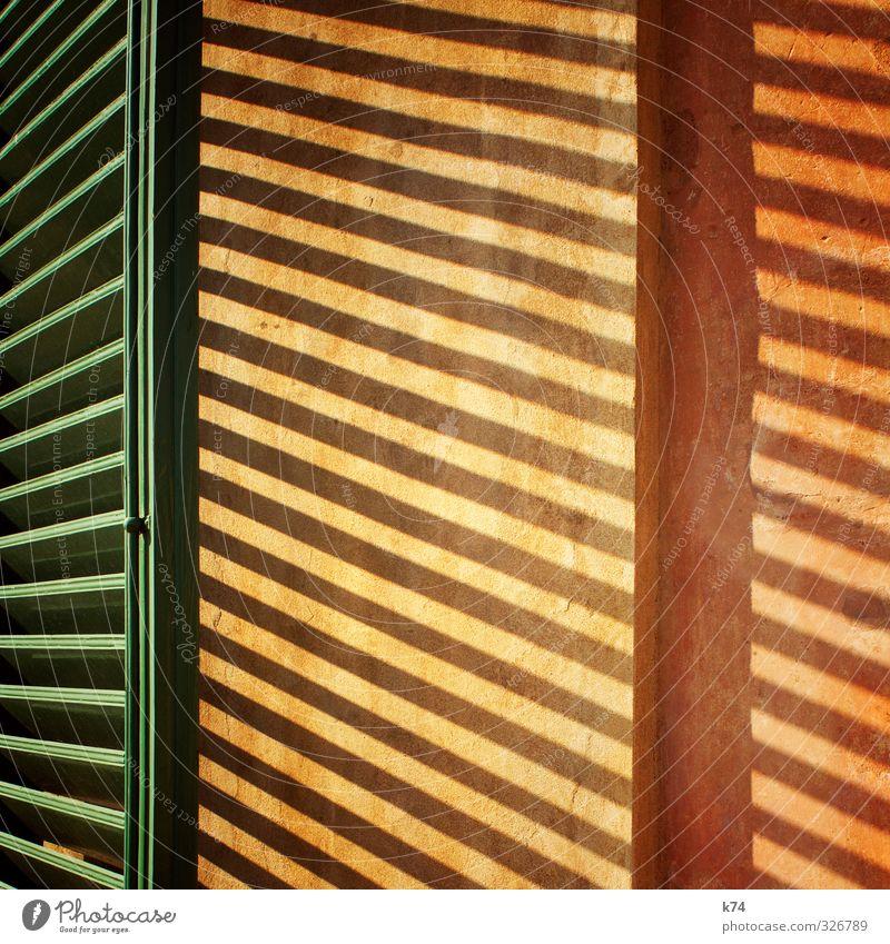 Persiana grün ruhig gelb Wand Wärme Mauer Holz Stein orange Streifen heiß Fensterladen
