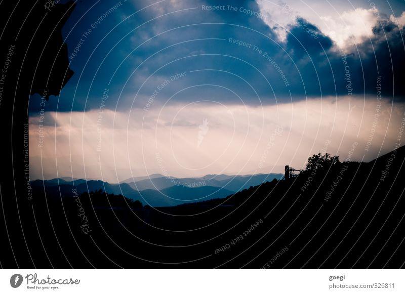 Luftperspektive Umwelt Landschaft Himmel Wolken Sonne Sonnenlicht Wetter Urwald Hügel Berge u. Gebirge leuchten ästhetisch fantastisch Warmherzigkeit Glaube