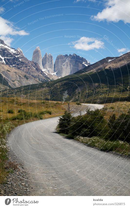 Patagonien / Torres des Paine Umwelt Natur Landschaft Himmel Sommer schön Wolken Schotterweg Berge u. Gebirge Torres del  Paine Torres del Paine NP Chile